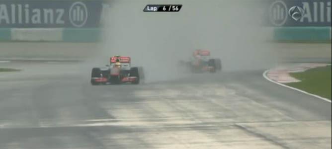 La lluvia dificulta la celebración de la carrera