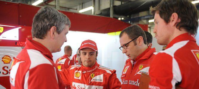 Domenicali junto a Felipe Massa