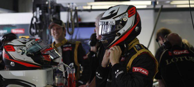 Kimi Räikkönen en el box de Lotus