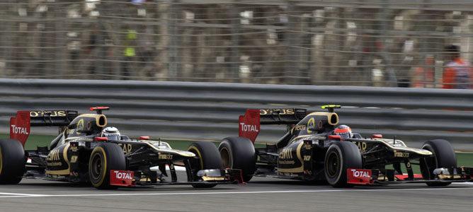 Los dos Lotus en el circuito de Sakhir