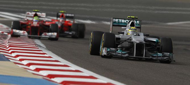 Un Mercedes en el circuito de Sakhir