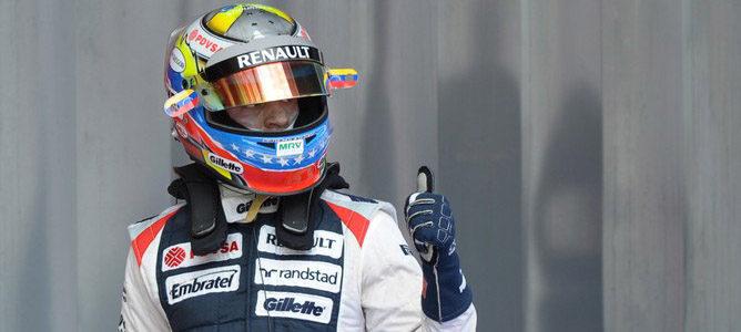 Pastor Maldonado celebra su segundo puesto en clasificación de España 2012