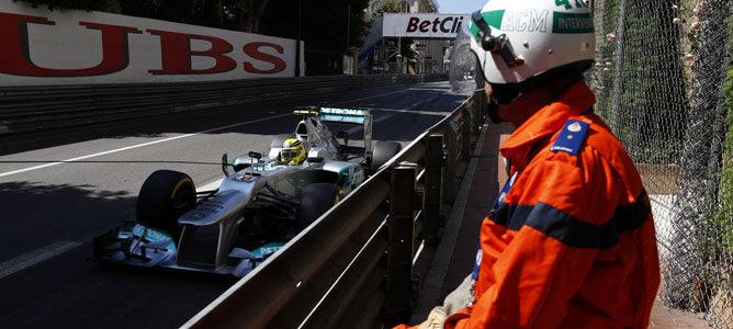 Nico Rosberg rueda en Mónaco