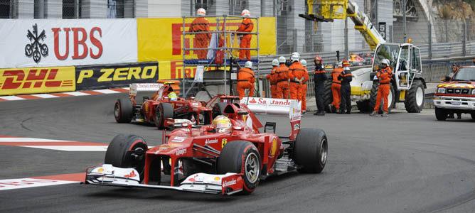 Los dos Ferrari sobre el asfalto de Montecarlo