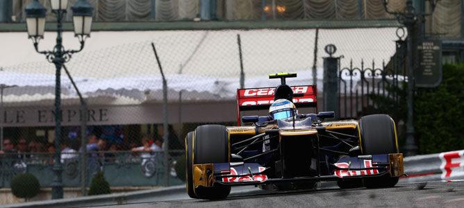 Un Toro Rosso sobre el asfalto de Montecarlo