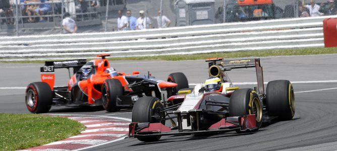 Pedro de la Rosa por delante de un Marussia en Canadá