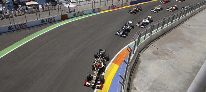 Romain Grosjean luchó por la victoria en Valencia, pero tuvo que abandonar