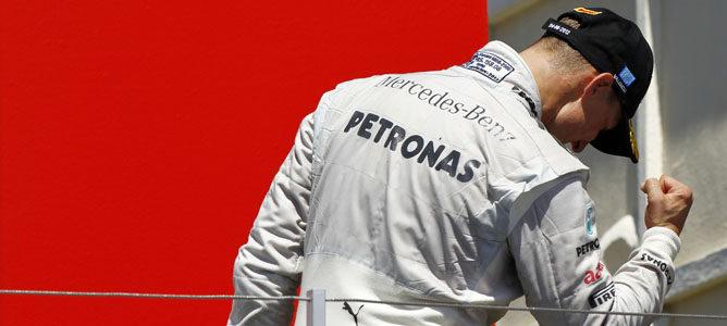 Michael Schumacher en el podio del Gran Premio de Europa