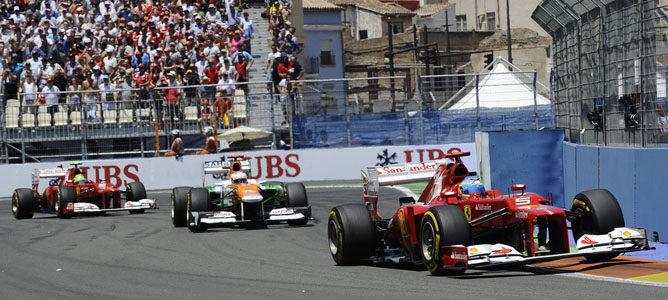 Los dos Ferrari por las calles de Valencia