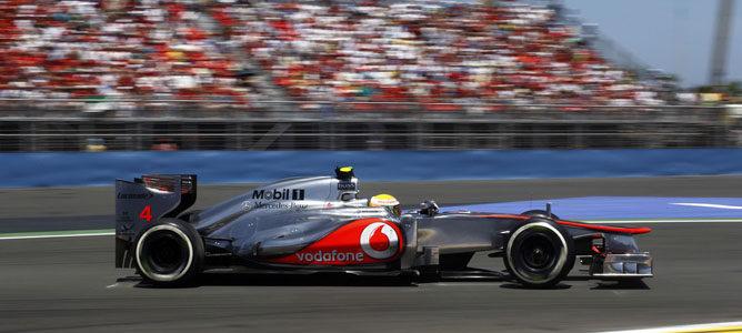 Un McLaren por las calles de Valencia