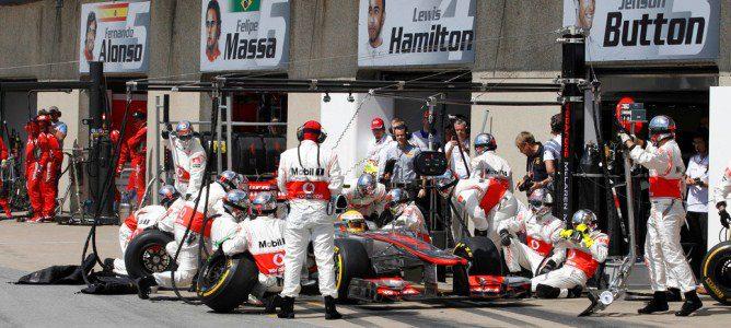 Hamilton en boxes en el GP de Canadá