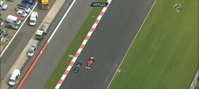 Adelantamiento de Mark Webber a Fernando Alonso