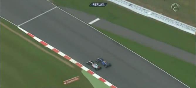 Adelantamiento de Sebastian Vettel a Jenson Button