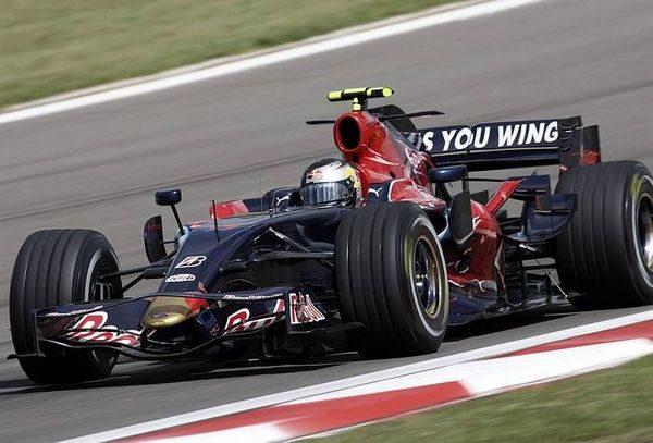 Vettel acaba su primera carrera de 2008