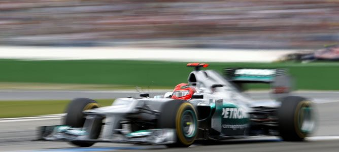 Un Mercedes en el circuito de Hockenheim