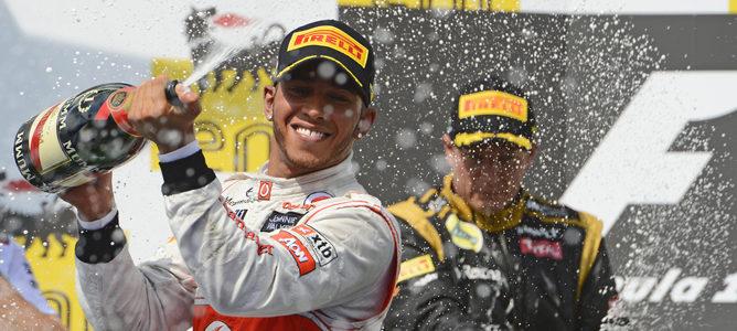 Lewis Hamilton en el podio de Hungaroring