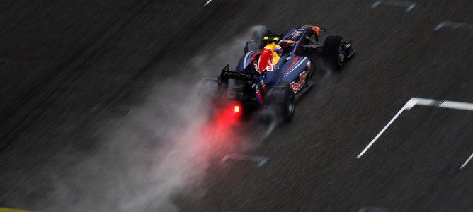 Vista aérea del Red Bull RB5 de Mark Webber