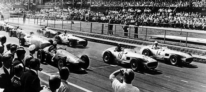 Salida del GP de Gran Bretaña de 1955