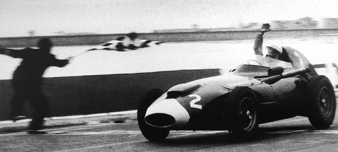Stirling Moss vence en el GP de Portugal de 1958