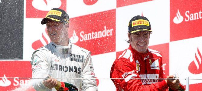 Schumacher y Alonso en el podio de Valencia