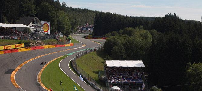 Räikkönen atraviesa Eau Rouge