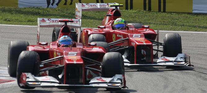 Los dos Ferrari sobre el asfalto de Monza