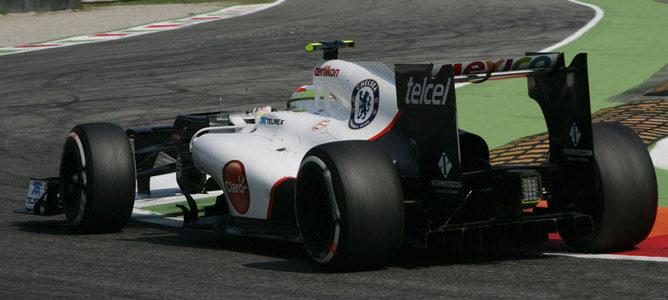 Un Sauber rueda sobre el asfalto de Monza
