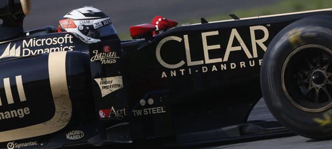 Un Lotus rueda sobre el asfalto de Monza