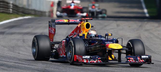 Un Red Bull rueda sobre el asfalto de Monza