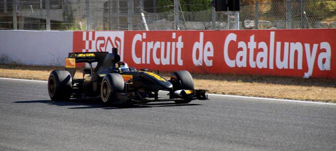 Jaime Alguersuari con Pirelli en Montmeló