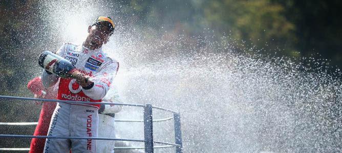 Lewis Hamilton en el podio de Monza