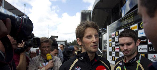 Romain Grosjean con la prensa
