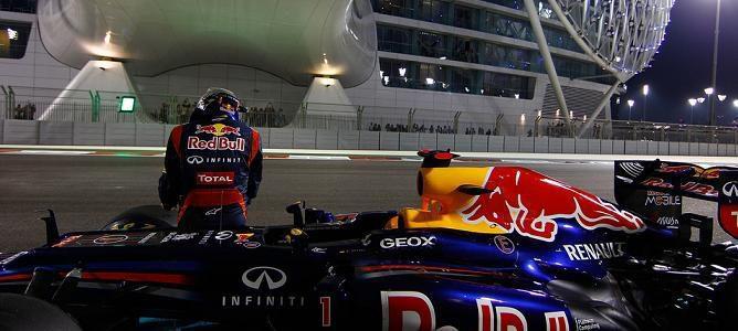 Vettel sentado en su coche
