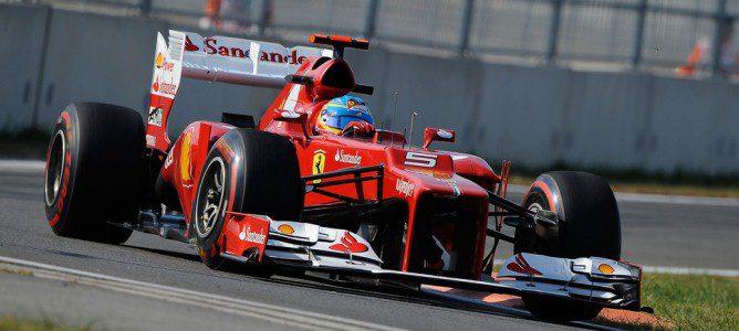 Fernando Alonso con los superblandos en Yeongam