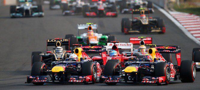 Los dos pilotos de Red Bull luchando por la primera posición