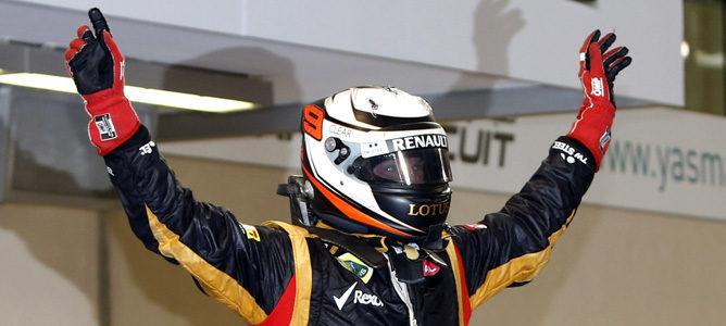 Kimi Räikkönen celebra su victoria en Abu Dabi 2012