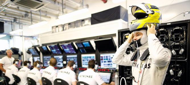 Nico Rosberg defiende la decisión de Lewis Hamilton de irse a Mercedes