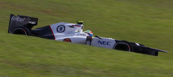 Sergio Pérez rueda con su Sauber en Interlagos 2012