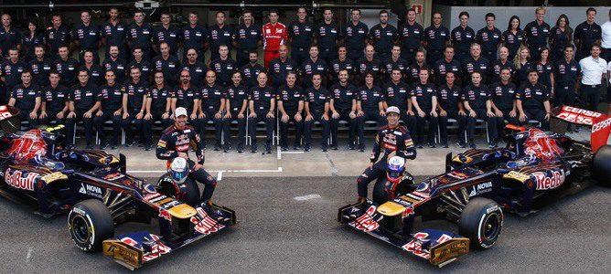 Foto oficial del equipo Toro Rosso en Brasil