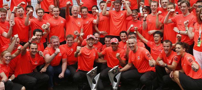 McLaren celebra su victoria en el GP de Brasil 2012