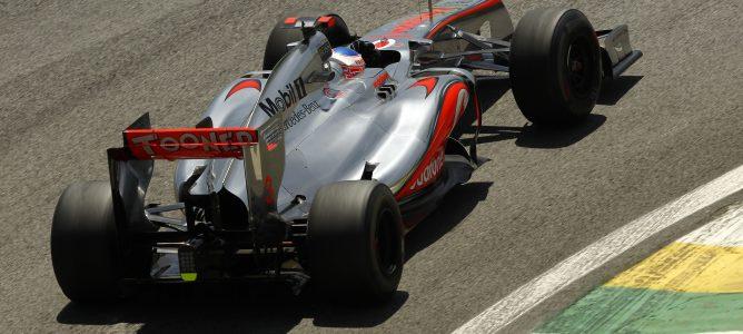 Jenson Button cree que sería bueno que Pirelli aumentara la degradación de los neumáticos