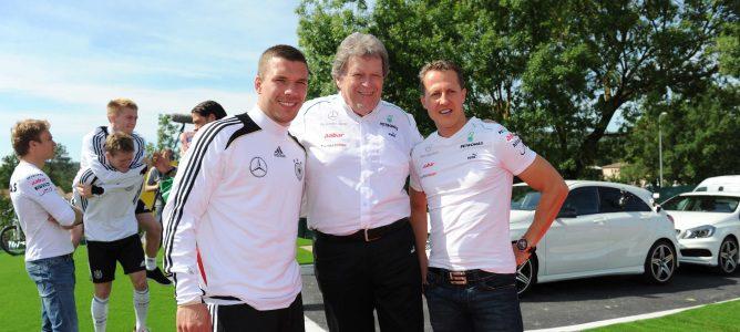 Norbert Haug dejará su cargo en Mercedes-Benz a finales de 2012