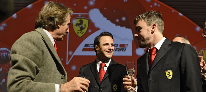 Fernando Alonso, agradecido a su equipo en la fiesta de Navidad de Ferrari