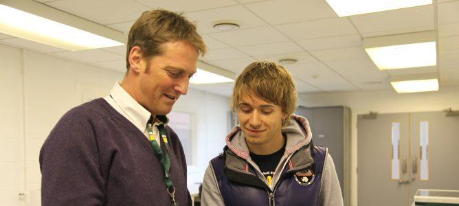 Charles Pic se viste con los colores del equipo Caterham
