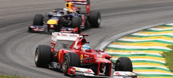 El enfoque de Sebastian Vettel le da ventaja sobre Fernando Alonso, según Helmut Marko