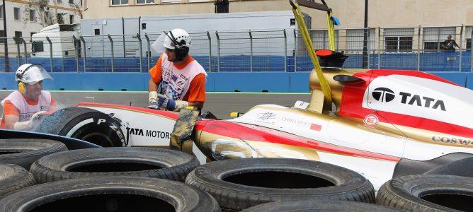 Johnny Herbert ha defendido la labor de los comisarios de F1