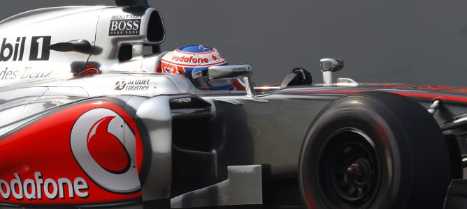 Jenson Button con el MP4-27