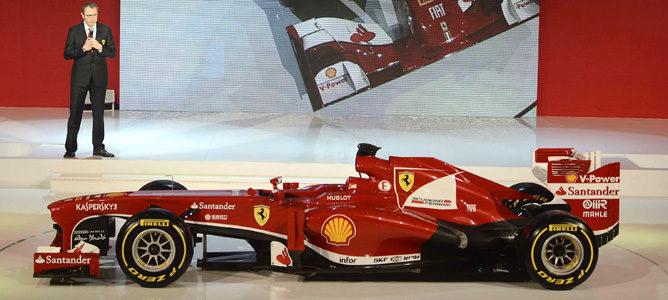 Stefano Domenicali habla durante la presentación del Ferrari F138