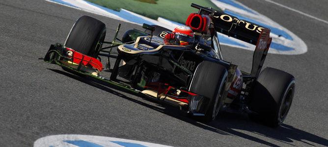 Romain Grosjean con el Lotus E21 en Jerez
