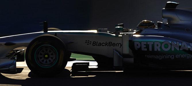 Lewis Hamilton pilota su nuevo Mercedes W04 en Jerez
